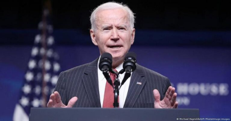 Covid – Joe Biden promises vaccines for all US adults by end of May